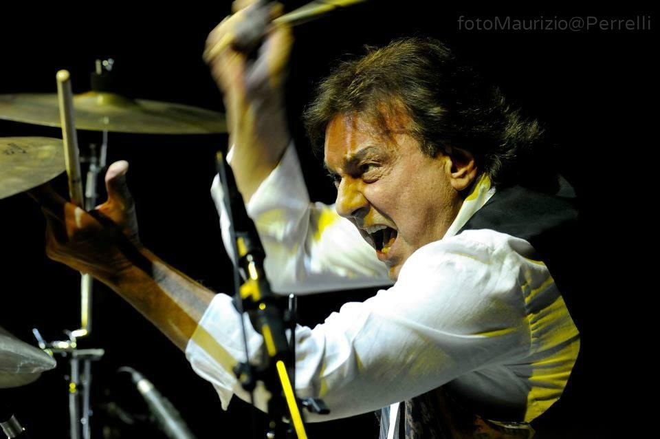 Tullio De Piscopo e gli Alzheimer Rock Band in un concerto di solidarietà per Auser Bologna e Cucine Popolari