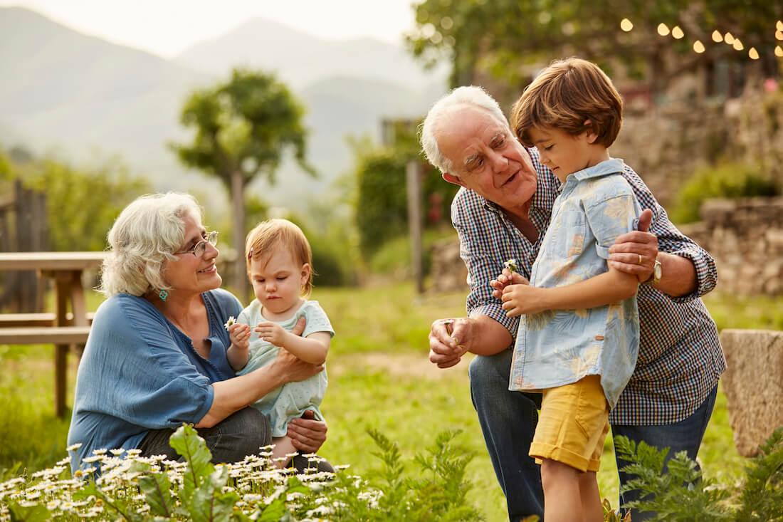 Le nonne e i nonni sono solo baby sitter anziani? Tre incontri sulla funzione educativa dei nonni