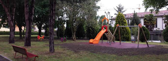 Inaugurati a Fusignano dei nuovi giochi per bambini donati da Auser