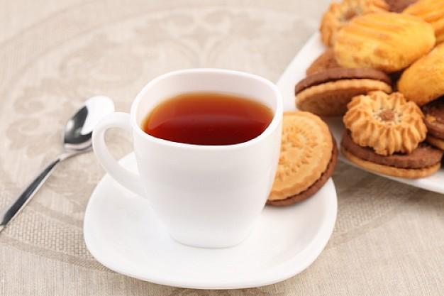 Il nuovo programma del Salotto della stazione, le conferenze con tè e pasticcini di Auser Bologna