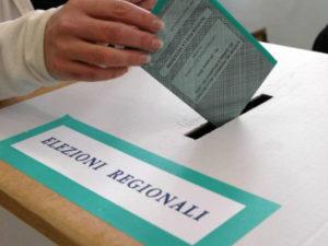 Auser invita e accompagna al voto per il bene comune